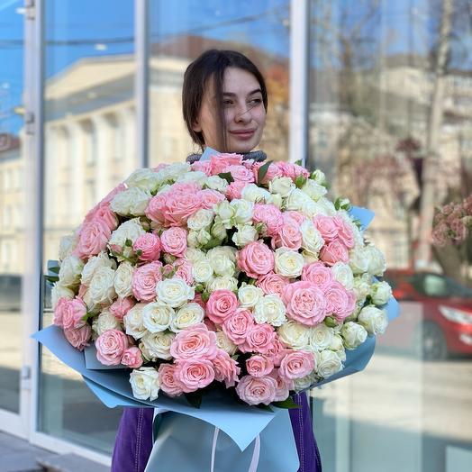 Букет из пионовидные роз
