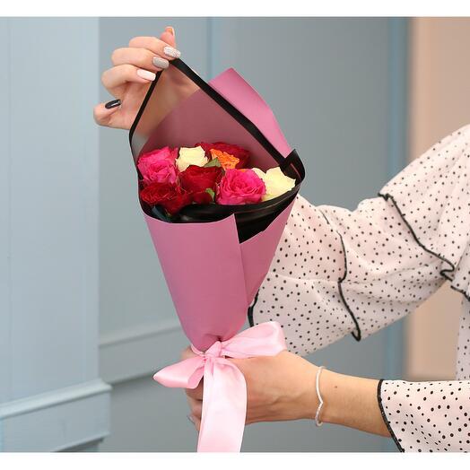 Букет из 9 роз мини яркий микс 35-40 см (Кения) в упаковке