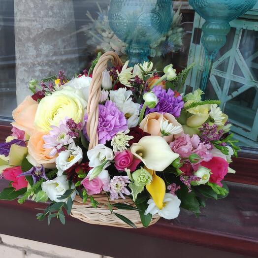 Корзина цветов Ассорти-конфети