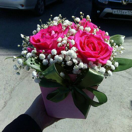 Цветы в коробке косплисент