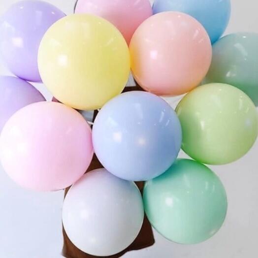 11 шаров пастельного цвета