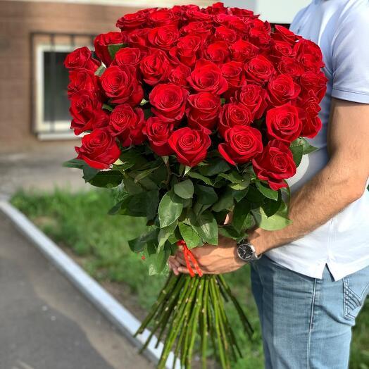 51 роза красная 90см Эквадор