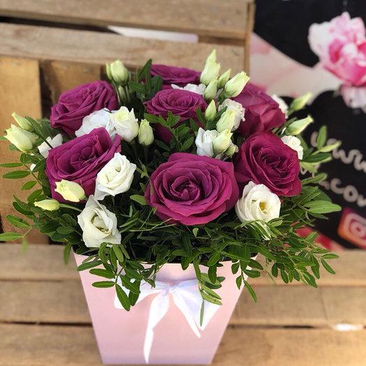 Композиция из роз и эустомы: букеты цветов на заказ Flowwow
