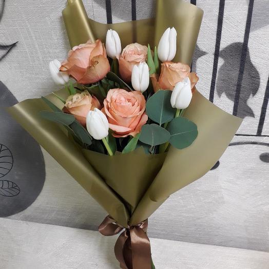 """Букет из роз и тюльпанов """"Золотому человеку"""": букеты цветов на заказ Flowwow"""