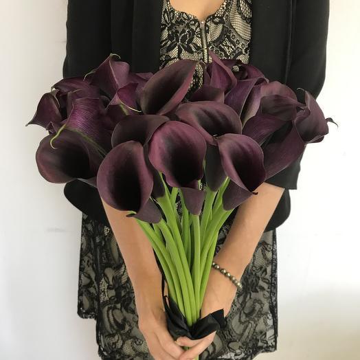 Темные каллы 29 штук: букеты цветов на заказ Flowwow