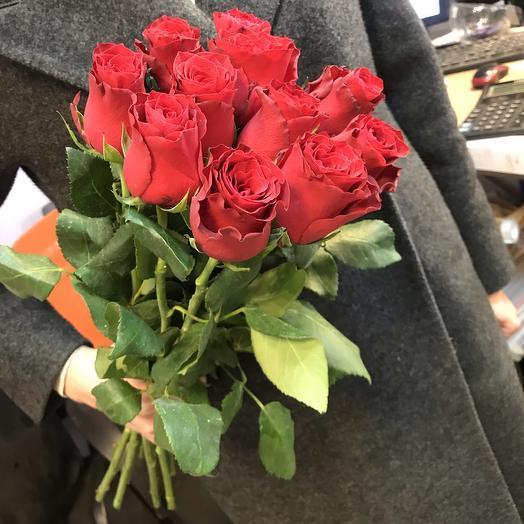 Красные розы 11 шт ️: букеты цветов на заказ Flowwow