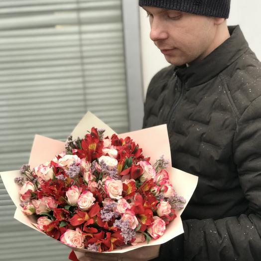 Букет из альстромерий и роз: букеты цветов на заказ Flowwow