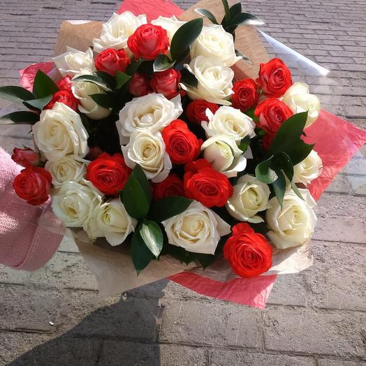 Розы для любимой: букеты цветов на заказ Flowwow