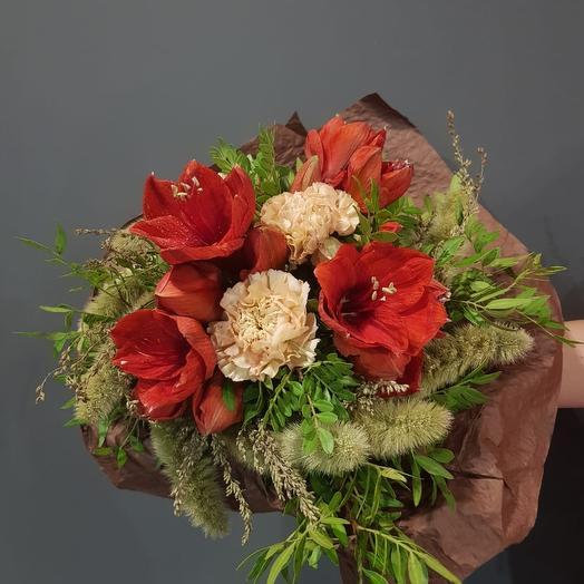 Букет с амаралисами и сухоцветами: букеты цветов на заказ Flowwow