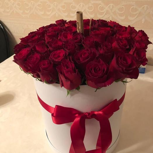 Эквадорские розы в шляпной коробке 51 шт: букеты цветов на заказ Flowwow