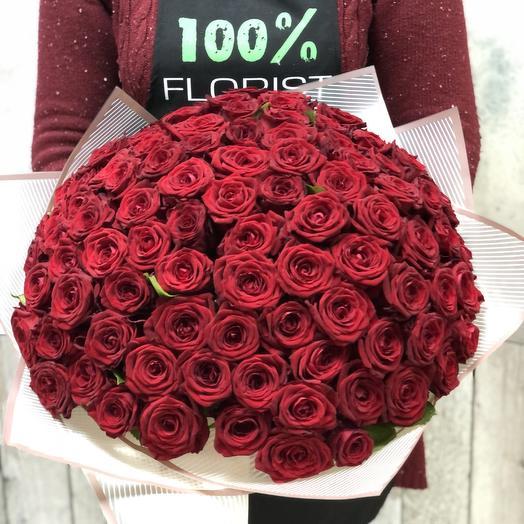 Букет из 101 розы с оформлением: букеты цветов на заказ Flowwow