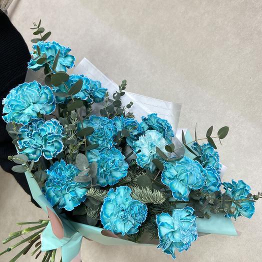 Необыкновенная гвоздика в стильном букете: букеты цветов на заказ Flowwow