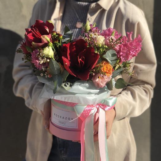 Bright surprise: flowers to order Flowwow