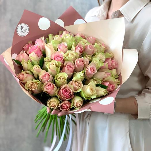 Букет из 51 розы в пастельных тонах