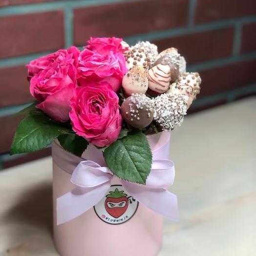 Клубника в шоколаде «с любовью»