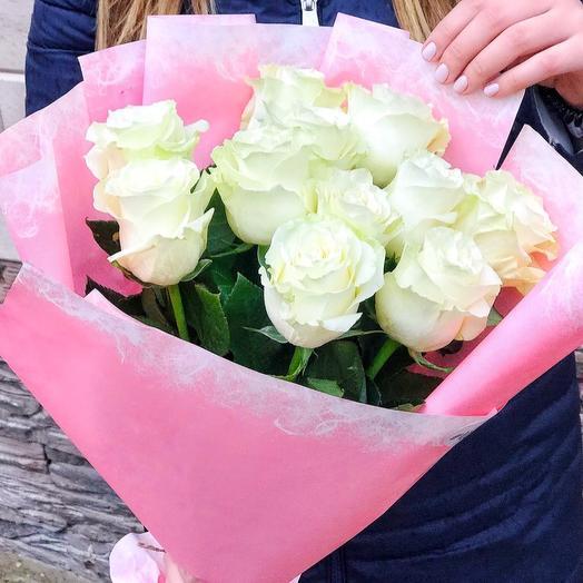 Букет из 11 белых роз премиум в нежном оформлении