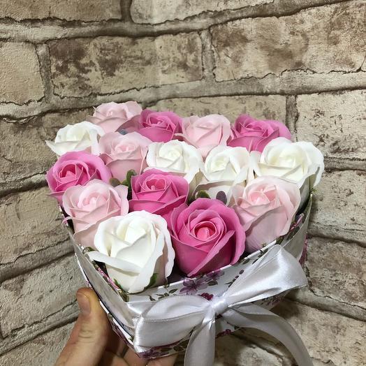 Сердце с мыльными розами