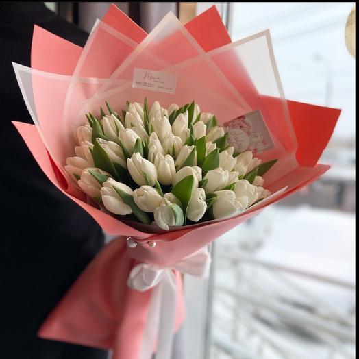 51 тюльпан в стильной упаковке