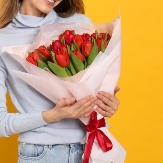 Букет из 31 красного тюльпана Red