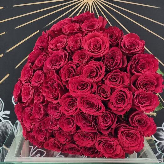 Розы красные 51шт 40см
