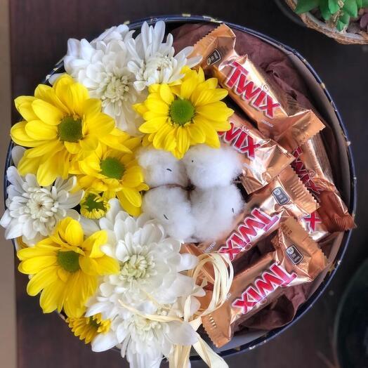 Цветы в коробке твикс