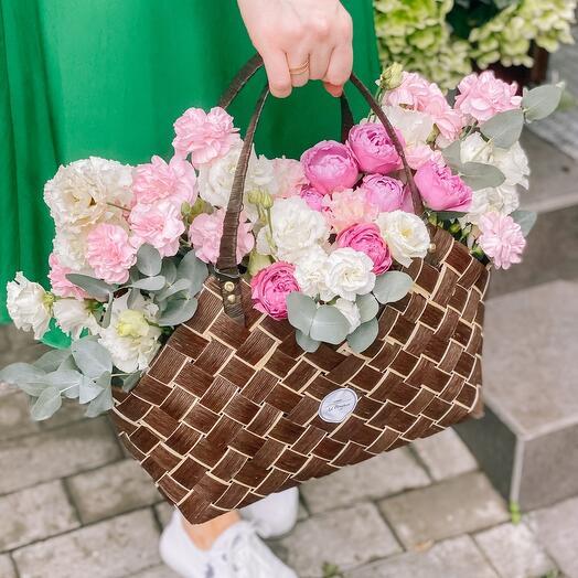 Садовая Корзина с цветами Премиум
