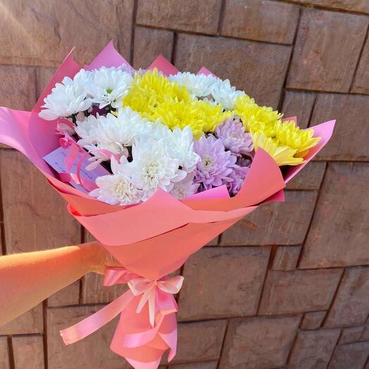Букет из 7 хризантем с оформлением
