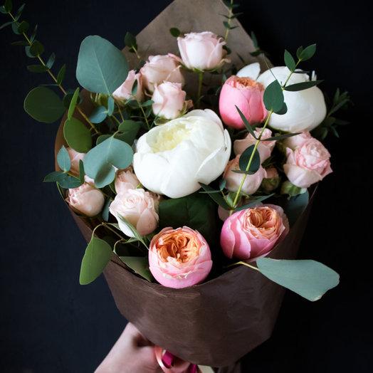 Экзотический кулек: букеты цветов на заказ Flowwow