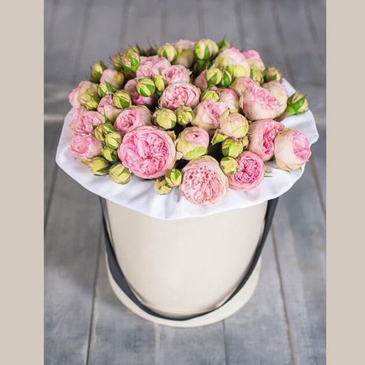 Пионовидные кустовые розы в коробке: букеты цветов на заказ Flowwow