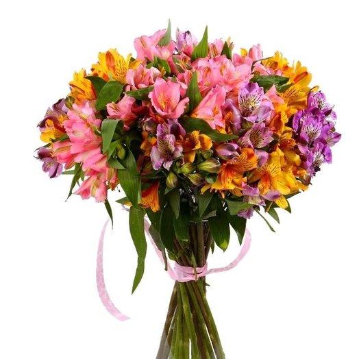 15 альстромерий: букеты цветов на заказ Flowwow