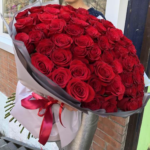 Бархатный ковёр из роз