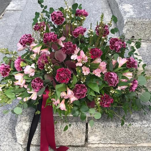 Траурная композиция: букеты цветов на заказ Flowwow