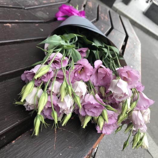 Лизиантус для любимой по супер цене: букеты цветов на заказ Flowwow