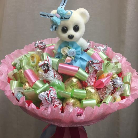 Букет из конфет Мишутка: букеты цветов на заказ Flowwow
