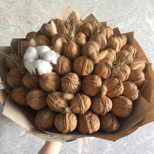 Ореховый: букеты цветов на заказ Flowwow