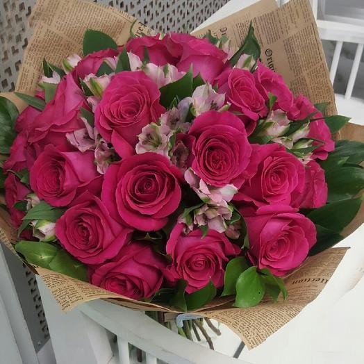 Букет 25 роз + 10 альстромерий: букеты цветов на заказ Flowwow