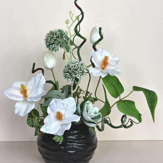 Композиция из искусственных цветов 400656: букеты цветов на заказ Flowwow