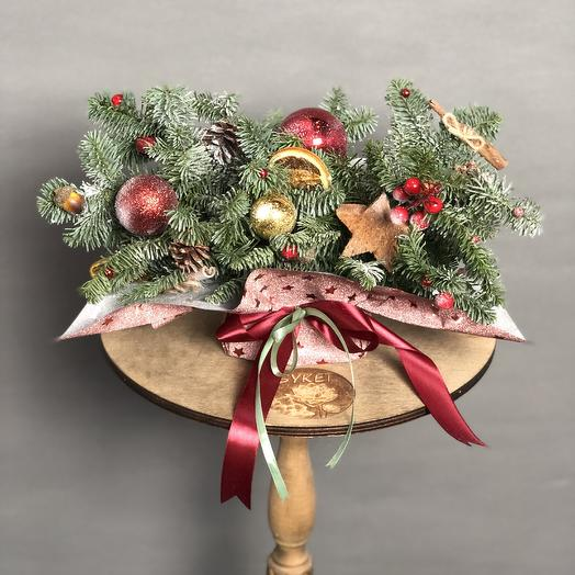Christmas composition: flowers to order Flowwow