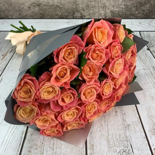 Букет из 31 лососёвой розы