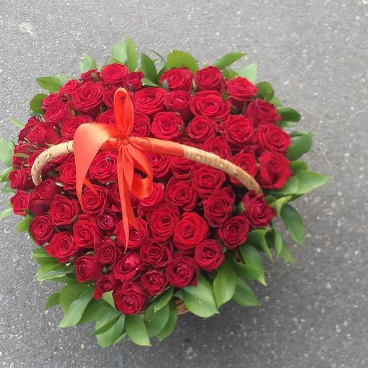 51 красный роз в корзине