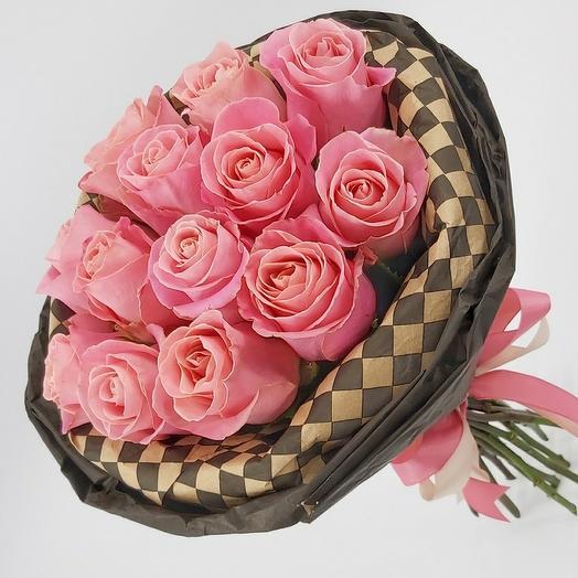 Шах и мат: 13 розовых роз