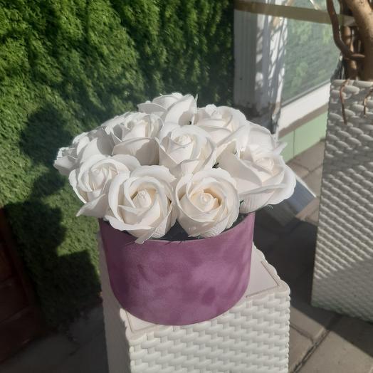 Бархатный цилиндр с мыльными розами