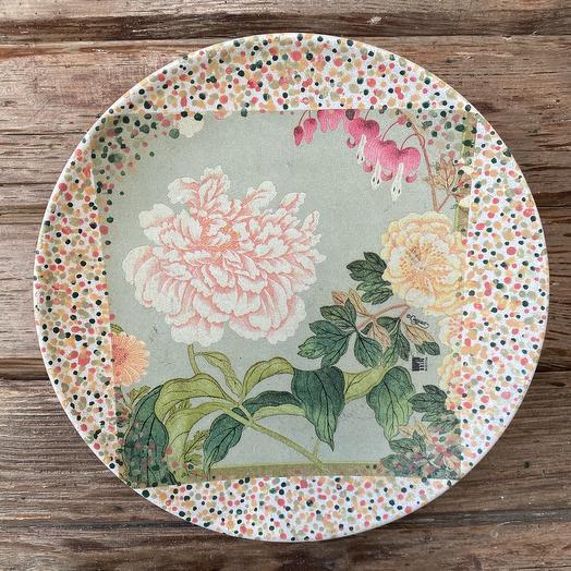 Декоративная тарелка «Сад с пионами»