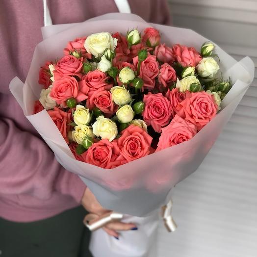 Bouquet with bush roses
