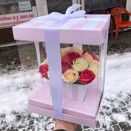 Цветы в коробке акариум