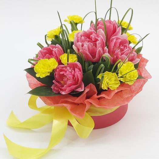 Фокстрот: композиция с тюльпанами