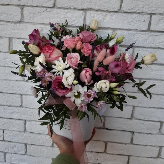 Цветы в коробке нежный🤗