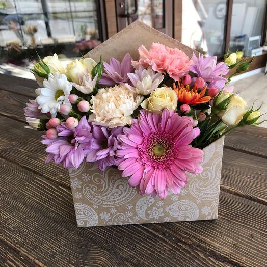 Цветы в коробке Конвертик счастья