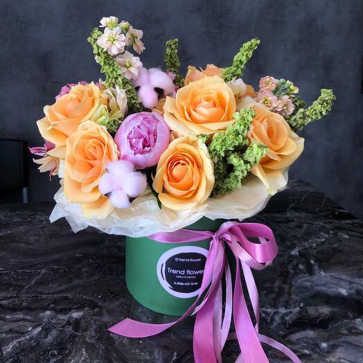 Цветы в коробке летние