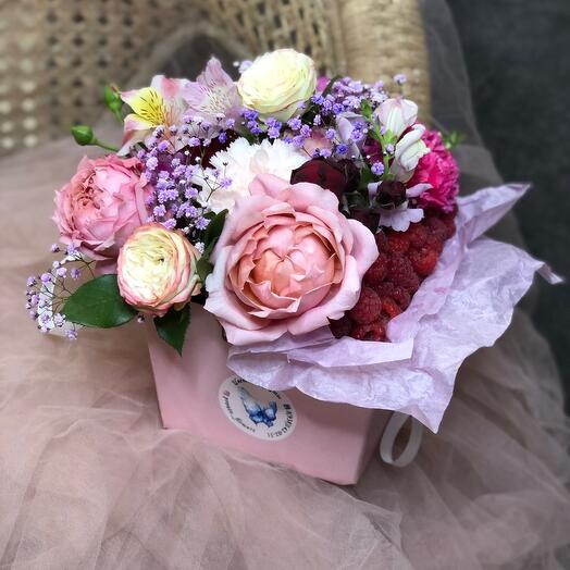 Цветы и малинка